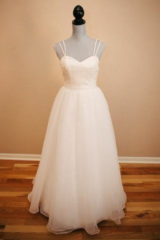 sweet-lace-backless-wedding-dresses-with-organza-skirt-1
