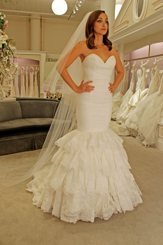 Sweetheart Mermaid Lace Wedding Dress Backless Tiered Skirt