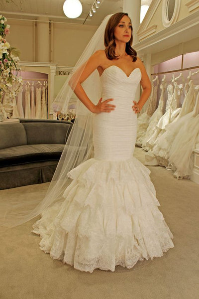 sweetheart-mermaid-lace-wedding-dress-backless-tiered-skirt