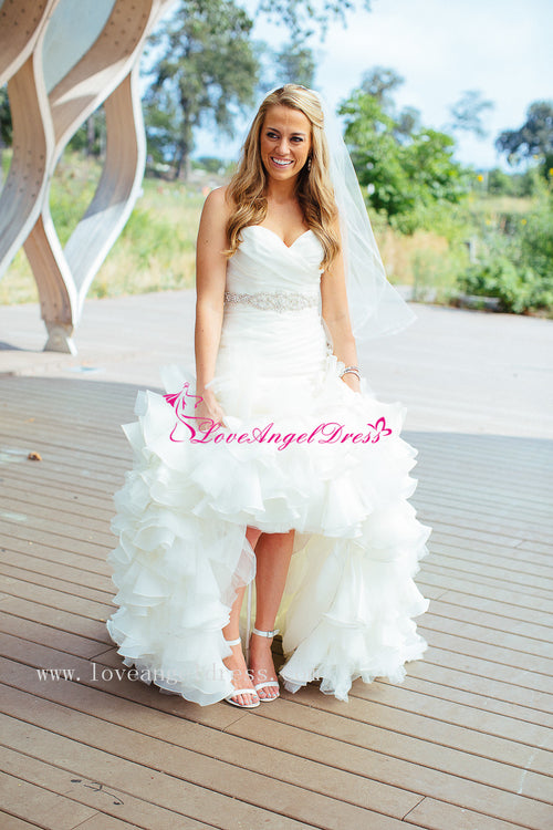 sweetheart-ruffled-organza-mermaid-wedding-dress-with-belt