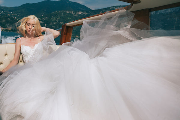 tulle-and-lace-mermaid-wedding-dresses-long-train-4