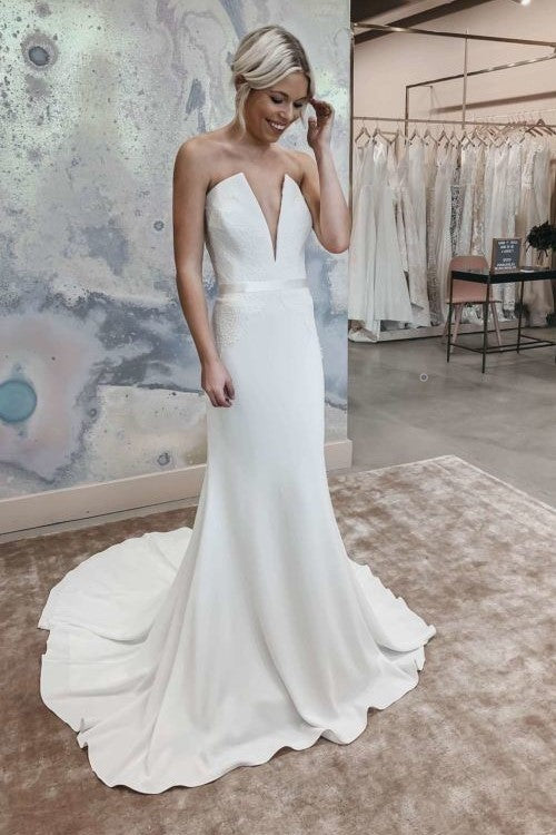 unique-strapless-wedding-gown-with-lace-bodice