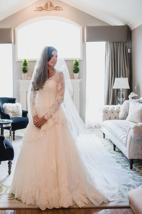 v-neck-long-sleeves-vintage-wedding-dress-with-tulle-skirt