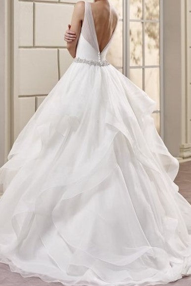 v-neck-tulle-wedding-dresses-with-volume-layers-horsehair-trim-1