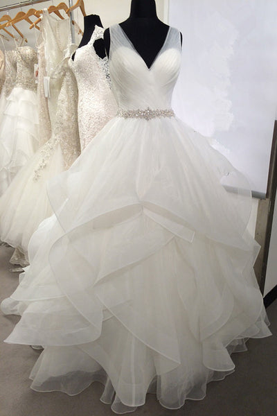 v-neck-tulle-wedding-dresses-with-volume-layers-horsehair-trim