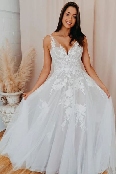 v-neck-tulle-wedding-gown-with-floral-appliqued-bodice