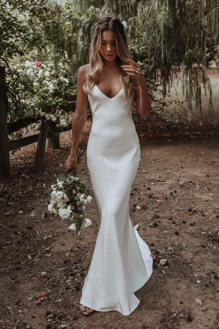Relaxed A-line Satin Long-sleeved Wedding Dress with Pockets
