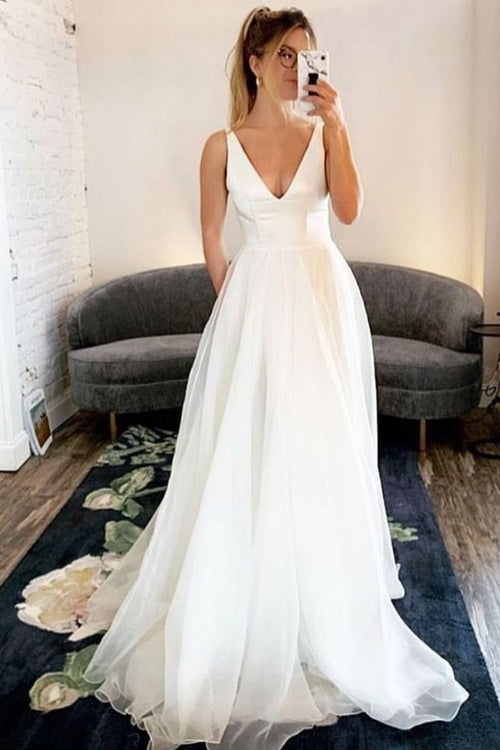 v-neckline-informal-bridal-dresses-for-beach-weddings-2020