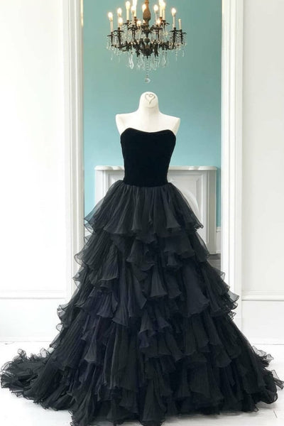 velvet-strapless-black-prom-gowns-with-pleated-tiered-skirt