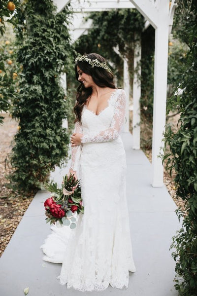 vintage-inspired-lace-long-sleeves-wedding-dresses-with-v-neckline