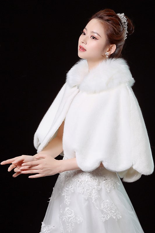 wedding-fur-shrug-bride-winter-bolero-1