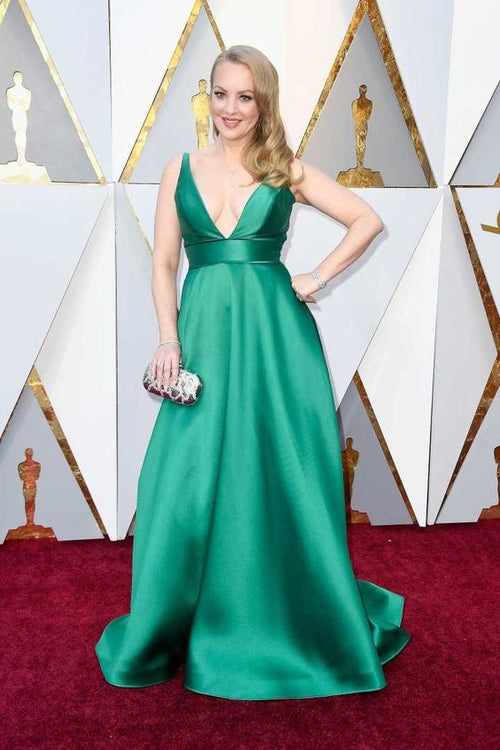 wendi-mclendon-covey-green-satin-dress-oscars-2018-red-carpet