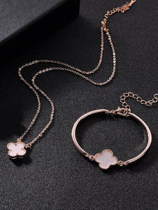 Clover Pendant Necklace & Bracelet