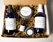 Load image into Gallery viewer, Subscription Box - Seasonal Subscription Box - Four Season Herbal and Aromatherapy Subscription Box - Community Supported Herbalism