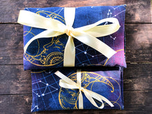 Load image into Gallery viewer, Flax and Lavender Heat Pack and Eye Pillow Gift Set
