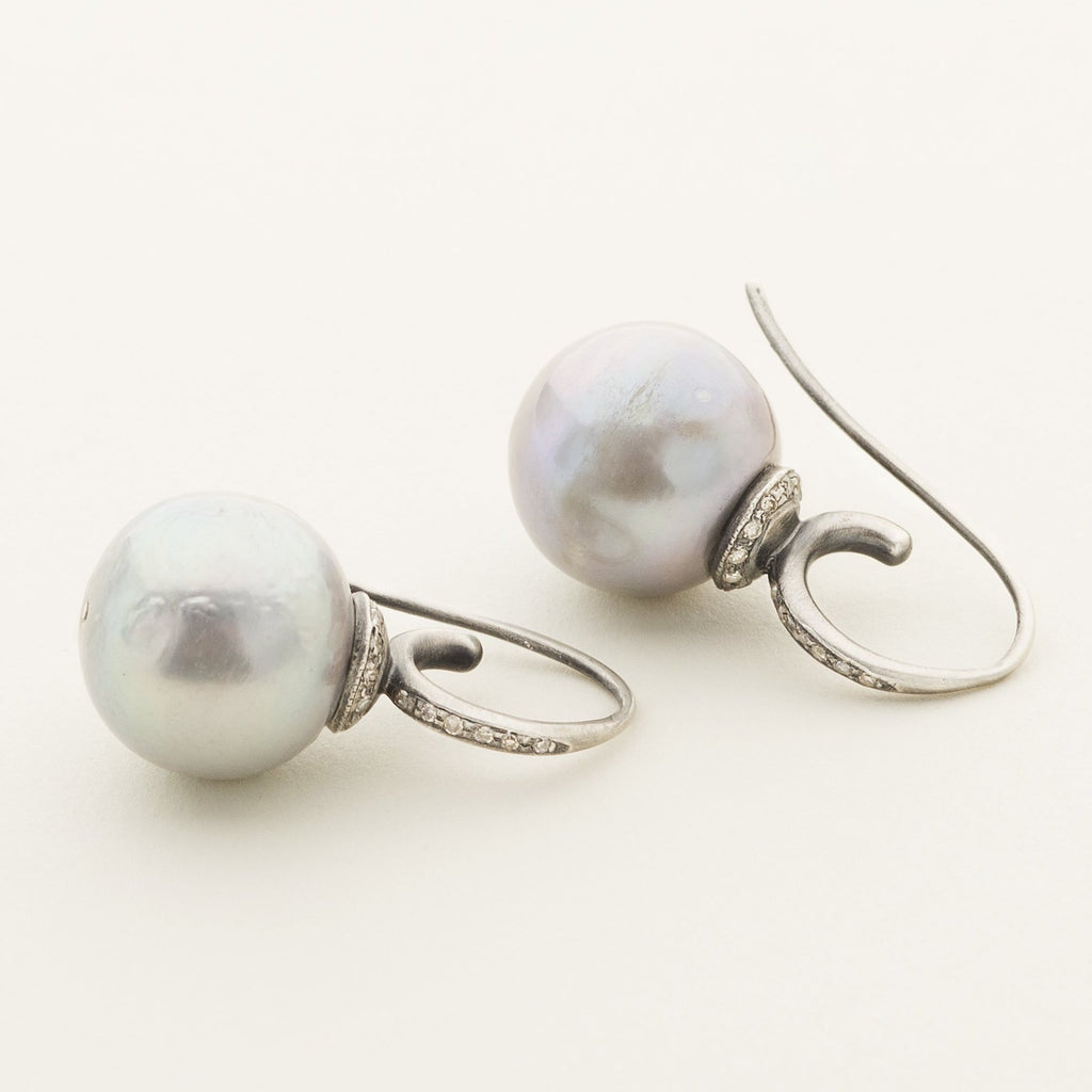 PEARL EARRINGS - silver with pearl and diamonds
