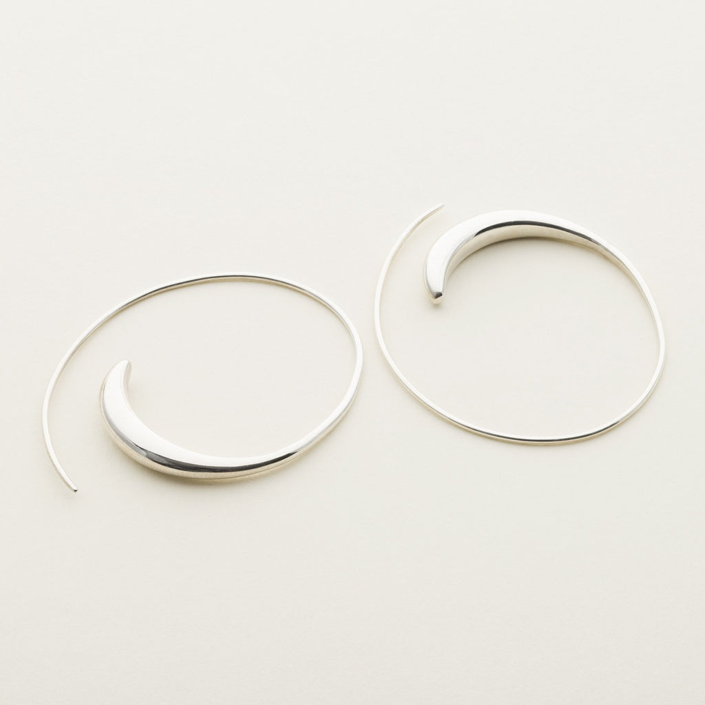 SMALL ASYMMETRIC HOOPS - silver