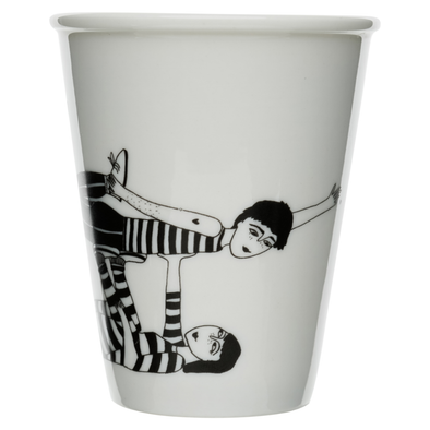 cup flying couple