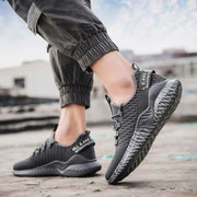 Men's Outdoor Non-slip Breathable Flying Woven Sneakers