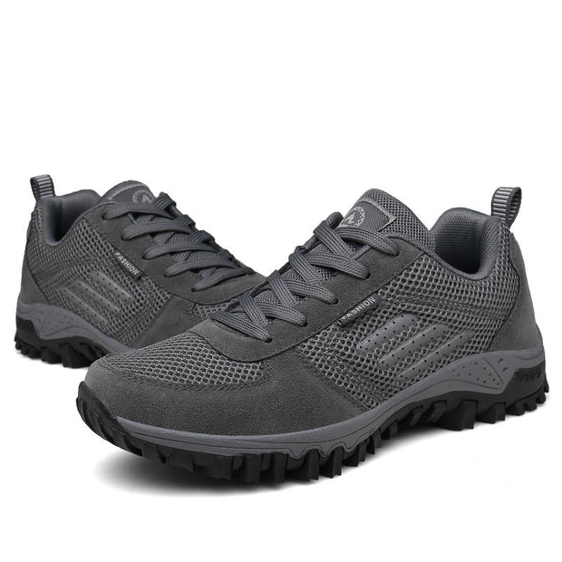 135560 Men's flying woven outdoor sports non-slip thick-soled four seasons hiking shoes
