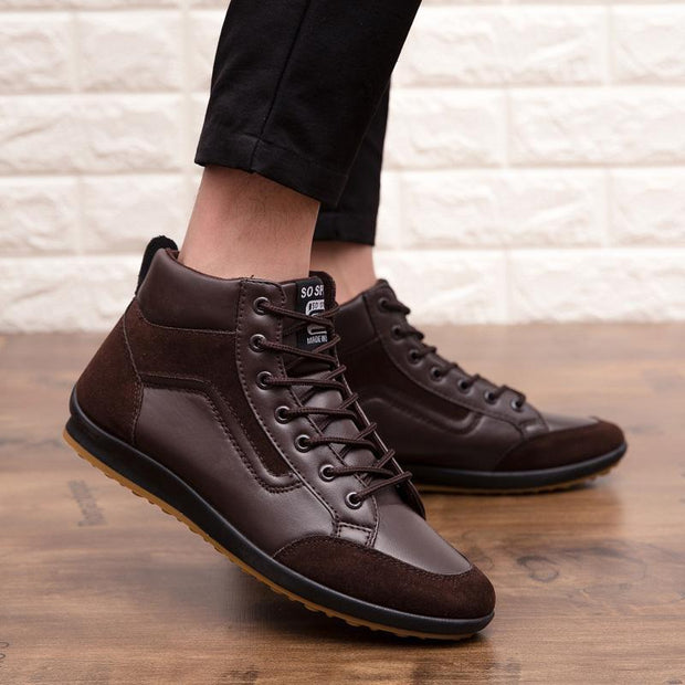 Men's Four Seasons Casual Shoes Large Size Shoes England Leather Boots Microfiber Shoes