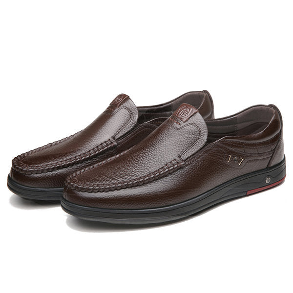 Men Large Size Cow Leather Soft Sole Casual Shoes