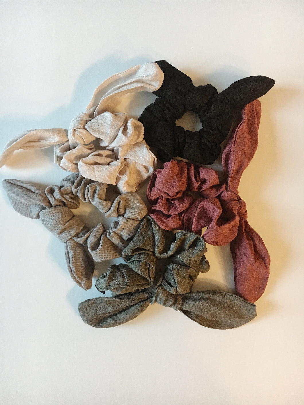 Seattle Scrunchie Collection: Wired Bow in 5 Colors