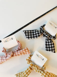 Seattle Scrunchie Collection: Gingham Bow in Pink