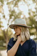 Load image into Gallery viewer, Alpine Loop Panama Hat in Five Colors