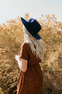 Costa Mesa Wide Brim Hat in Navy
