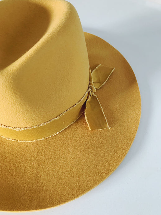 Costa Mesa Wide Brim Hat in Mustard