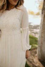 Load image into Gallery viewer, Montmartre Lace Dress in Cream
