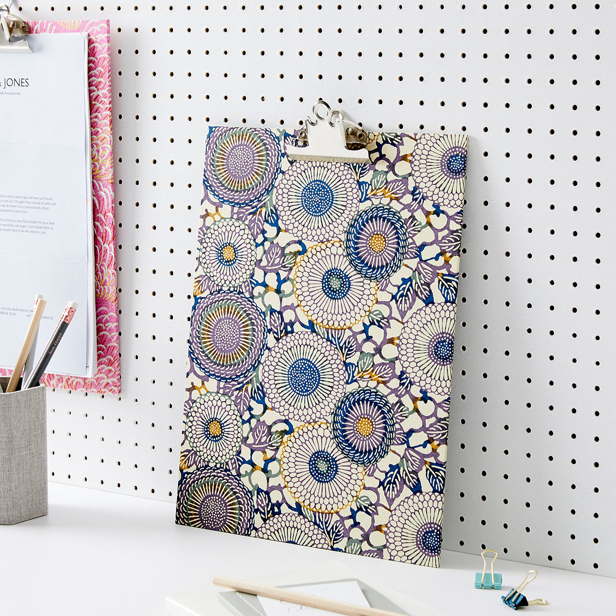 Patterned Clipboards