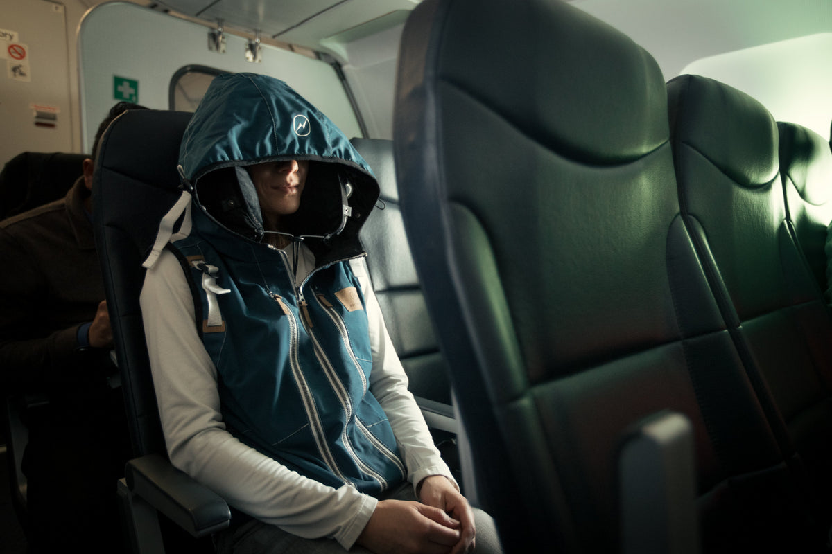 Neckpacker how to sleep on a plane