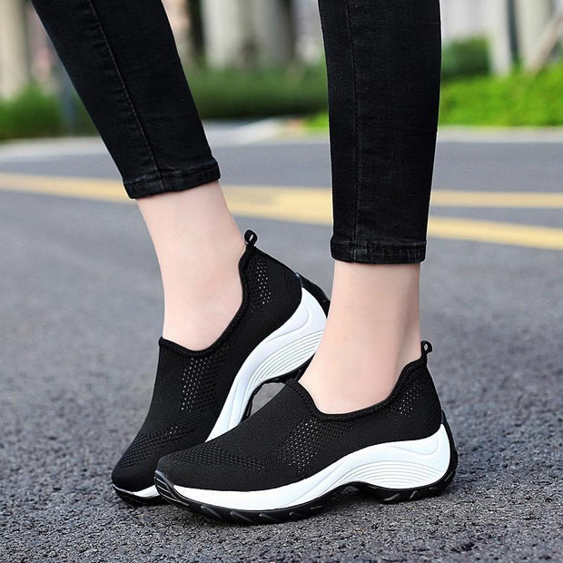 Women Outdoor Light Mesh Non-slip Walking Shoes