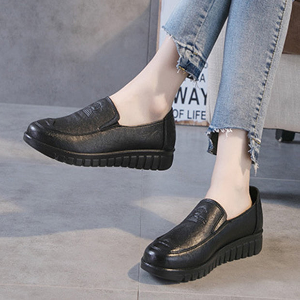 Women Comfy Microfiber Leather Solid Color Slip On Loafers 131075
