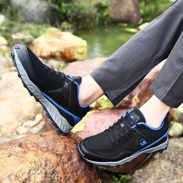Men Mesh Splicing Outdoor Breathable Slip Resistant Lace Up Hiking Sneakers