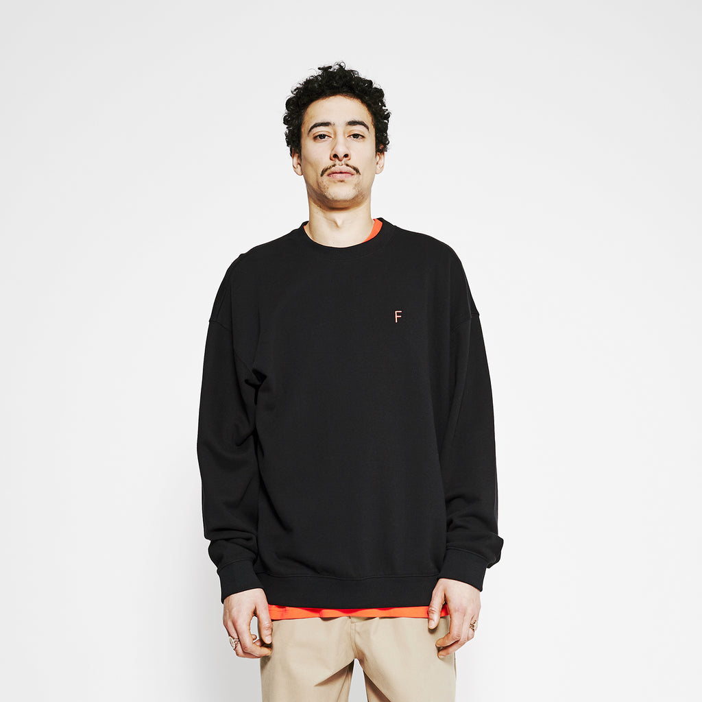 01 Outline G Fit Crew