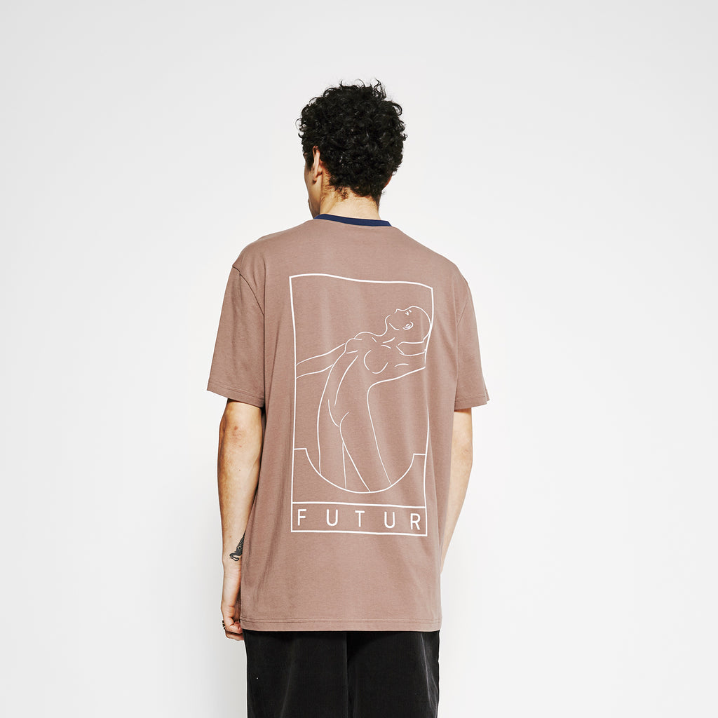 Outline 01 Tee / Mocca