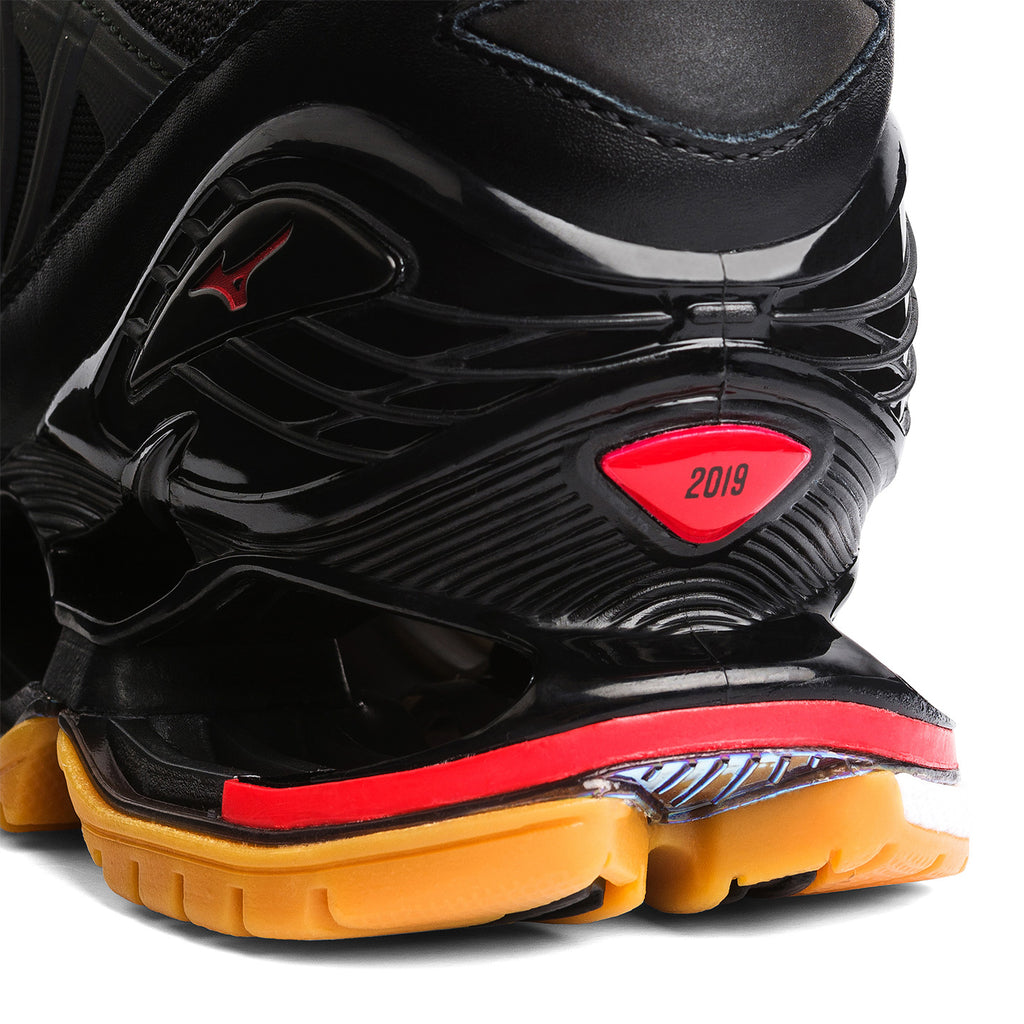 FUTUR x Mizuno Wave Prophecy / Black High Risk Red