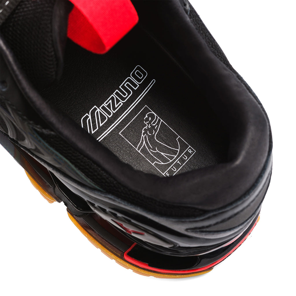 FUTUR x Mizuno Wave Prophecy