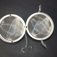 hinged tea infuser