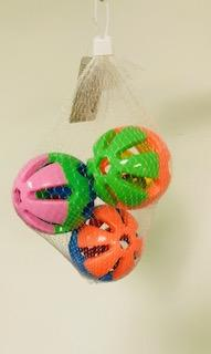 "PB19004A (Bird Toy, Three Crazy Toys Medium Ball Set.   Size: 3"" Dia. 108 PER CASE.)"