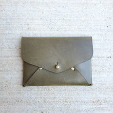 Idun goddess card case - olive