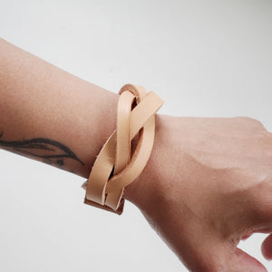 Fläta braided leather cuff
