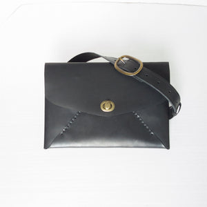 Idun goddess envelope-style clutch/hip bag - black