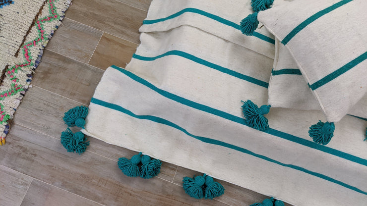 Moroccan wool Pom Pom Blanket + 2 Cushion covers