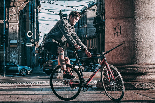 fixed-gear-rider-keo-spinning-tricks