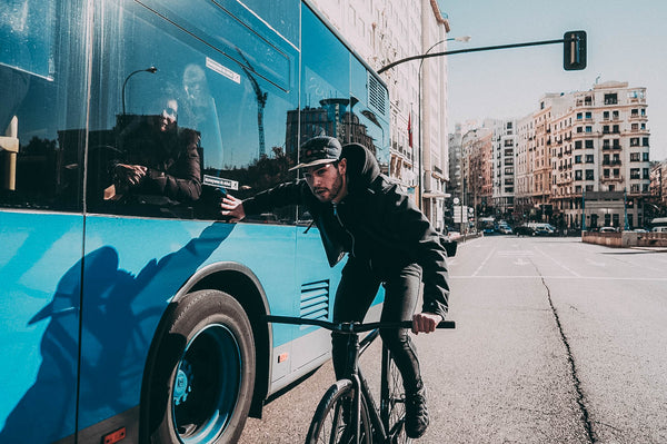 mario-cranks-fixed-gear-rider-holding-onto-bus