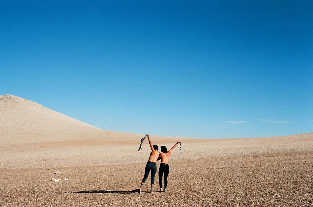 freely-shirtless-in-desert